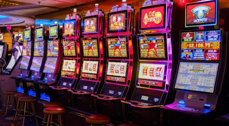 How to Play Online Slot Machine Games of Chance