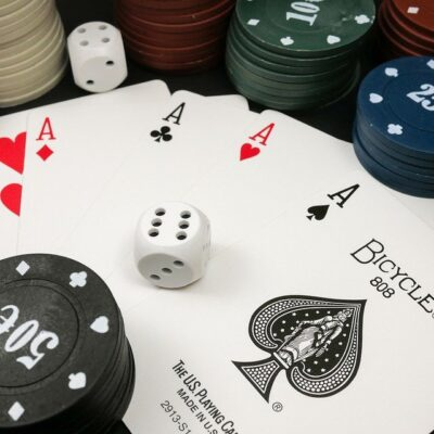 Complete on How to Play Domino QQ for Beginners